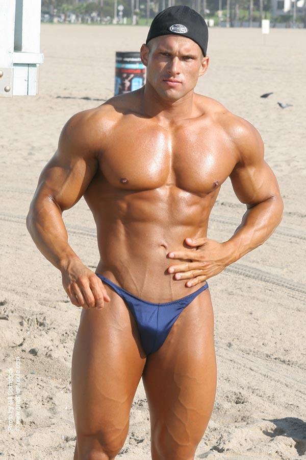 tribu muscu the bodybuilders - california beach muscle boy