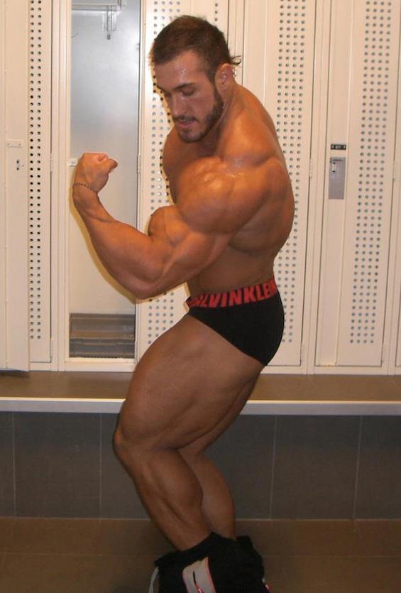 bodybuilder Antoine is gay vaillant